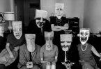 Persone con maschere, metafora psicologia e subpersonalità