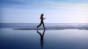 corsa sul mare, movimento fisico per ridurre la rabbia