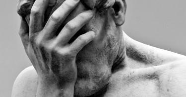 Statua, sofferenza e come reagire al disagio, dolore