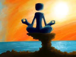 Silhouette in meditazione, tramonto o alba